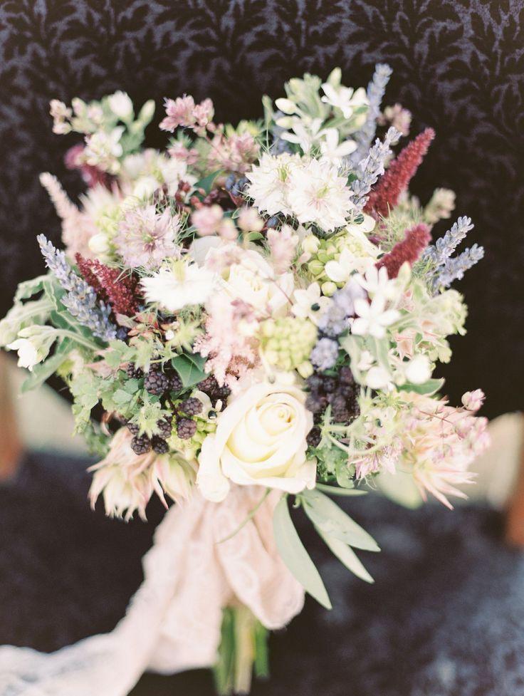 Outlander inspired Scottish wedding style | Wedding Sparrow