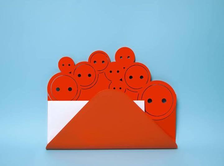 Porta Lettere Sarto. Quest'anno Lamidea è tornata all'utilizzo dei colori forti e delle finiture lisce. Il motto nella progettazione è stato ALLEGRIA ! #dressmaker #color #orange #home #fun