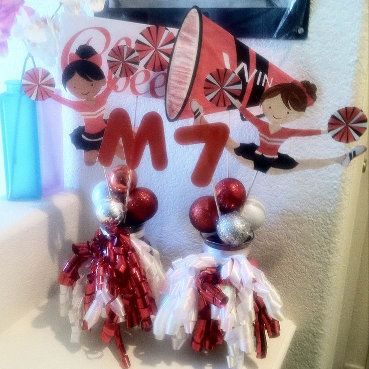 17 best images about cheerleading party theme ideas on for Cheerleading decorations