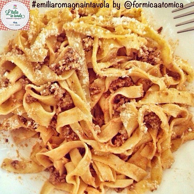 Che ne dite per pranzo di fare un salto in Emilia Romagna per un piatto di Tagliatelle al ragù? #italiaintavola #emiliaromagnaintavola