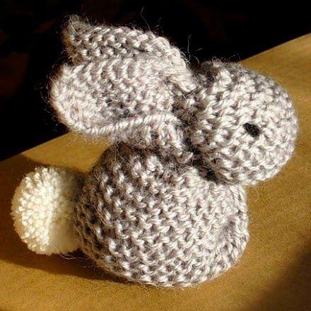Balaine | Laine online discount | Modeles gratuits: Aussi mignon que simple, le petit lapin tricoté au point mousse !