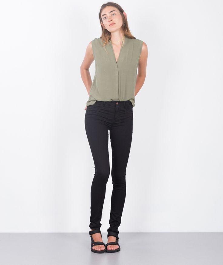 kaufdichglücklich  Global Funk 40520 GLOBAL FUNK Seven Jeans black 59,99 EUR Inkl. 19% MwSt zzgl. Versandkosten  Just Female 39252 JUST FEMALE Mar Sleeveless Bluse green 69,99 EUR