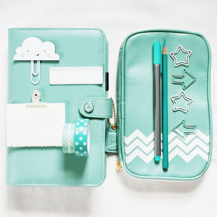 My teal Color Crush Planner and Folio