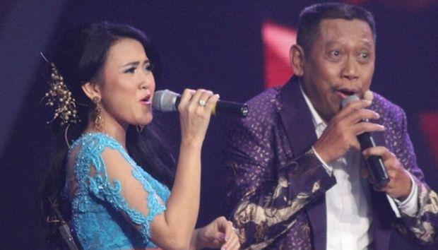 Komedian Gogon yakin presenter Tukul Arwana punya hubungan khusus dengan biduanita dangdut Meggie Diaz.