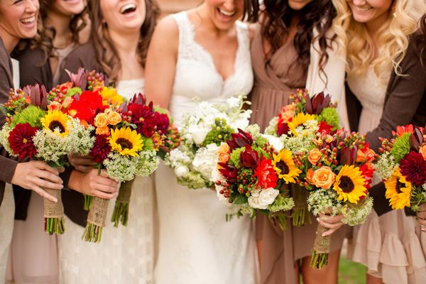 fall bouquets | Katelyn James #wedding