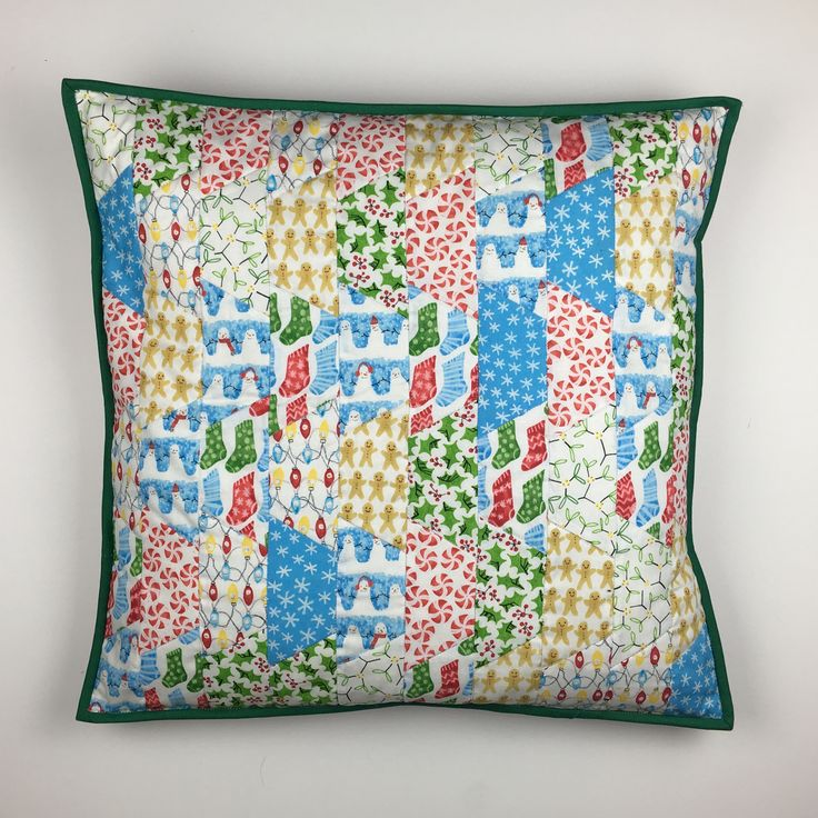 Christmas Half hexagon cushion / pillow. Sizzix. Patchwork and quilting