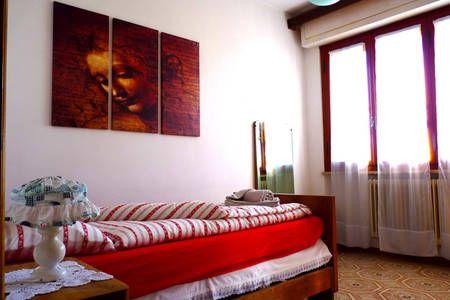Dai un'occhiata a questo fantastico annuncio su Airbnb: Da Lina & Oreste - Appartamenti for Rent