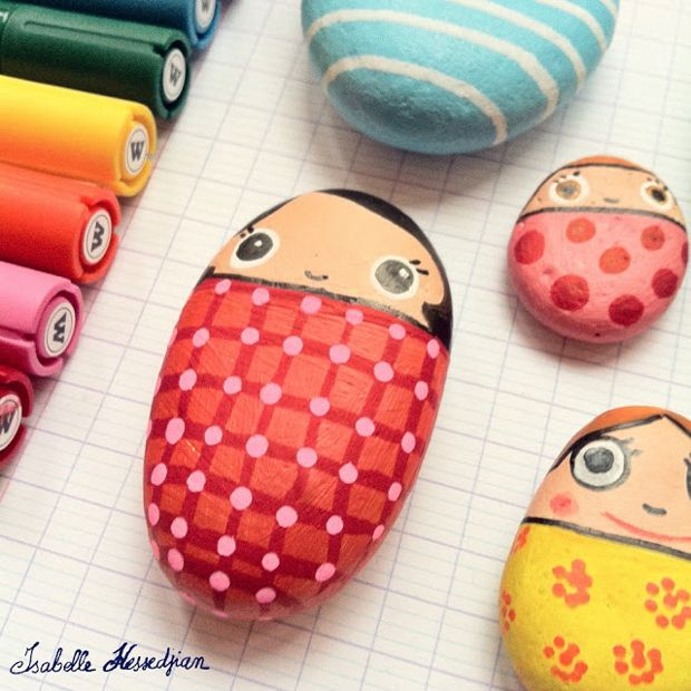 Painted Rocks seem to be the rage these days in craft circles and with kids and I can see why. And we have had so much interest in our painted rock posts, here and here and so many questions on exactly how to paint rocks etc. that I was thrilled to find the EASIEST …