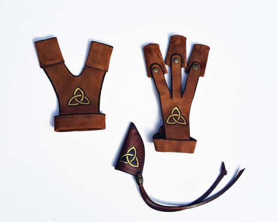 This set is READY TO SHIP! Its made with the following measurements:  BOW-HAND PROTECTING GLOVE on the left hand:  Wrist circumference - 6 Distance from wrist to thumb base - 3 Thumb circumference - 2.5 Please, look here to see the measurements shown: https://img1.etsystatic.com/114/0/5790346/il_fullxfull.1027655787_j6jr.jpg)    SHOOTING GLOVE on the right hand: Wrist circumference - 6 Distance from the middle finger to wrist - 7 Fingers circumference > 2 Please, look here for the…