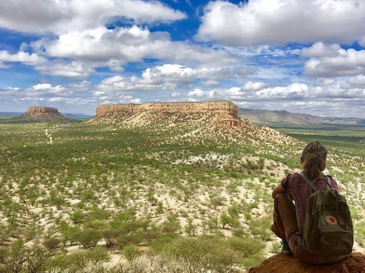 Enjoying the view from Vingerclip Rock. #namibia #ig_africa #visitnamibia #exploremore #getoutstayout #landscape #theglobewanderer #letsgosomewhere #vanlife #overlandafrica http://ift.tt/2lqVZEY