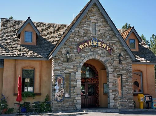 Photo of Schat's Bakery at Mammoth Lakes, California.