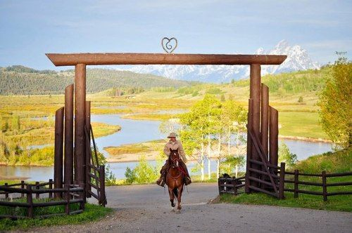 This will be the entrance to my future ranch :)<3
