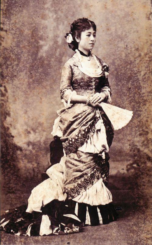 侯爵夫人  鍋島榮子 Nabeshima Nagako (1855 - 1941) Beautiful marquise of the Meiji Era.