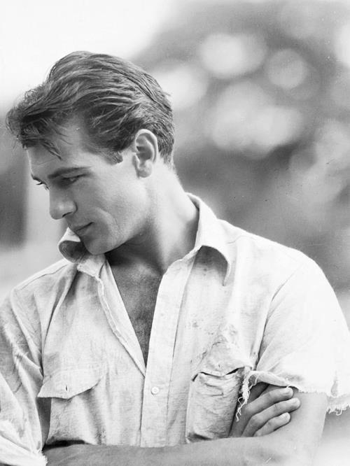 Gary Cooper, 1932 viastrolling-down-vintage-lane