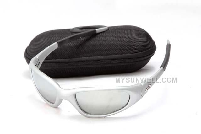 http://www.mysunwell.com/hot-buy-cheap-oakley-minute-sunglass-silver-frame-silver-lens.html Only$25.00 HOT BUY CHEAP OAKLEY MINUTE SUNGLASS SILVER FRAME SILVER LENS #Free #Shipping!