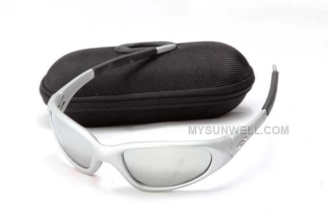 http://www.mysunwell.com/hot-buy-cheap-oakley-minute-sunglass-silver-frame-silver-lens.html HOT BUY CHEAP OAKLEY MINUTE SUNGLASS SILVER FRAME SILVER LENS Only $25.00 , Free Shipping!