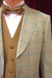 【挙式用タキシード】ガーデン挙式に人気のベージュ、ウィンドペンもトレンド柄です|結婚式の新郎タキシード|新郎衣装はメンズブライダルへ