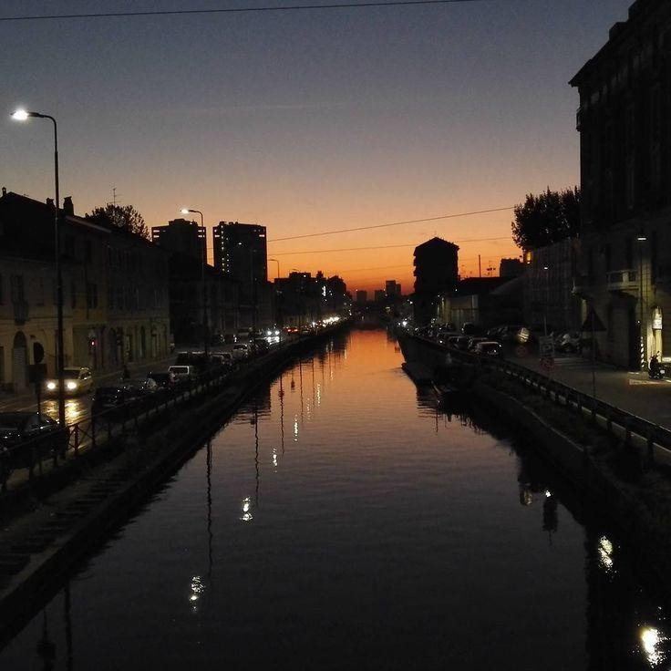 Milano alzaia Naviglio Grande #vivimilano #milanodavedere #instamilano #instaitalia #nofilter #noeffect by galaxyphoto