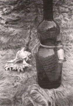 Bruno Munari, Messaggio in bottiglia con post scriptum in bottiglietta 1945 ca.