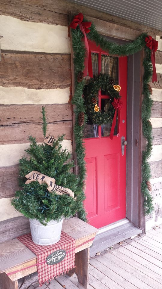 Best Christmas Primitive Colonial Country Exterior - Colonial christmas decorating ideas
