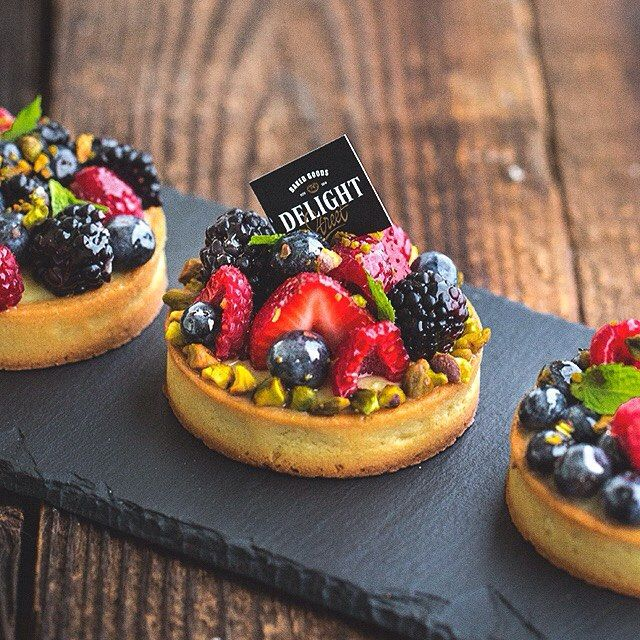 Fruit mini tart is always a such good looking dessert, colorful, shiny, fresh and absolutely amazing taste! #Dessert #Pastry #Raleigh #Baking #Pastrylife #Pastrychef #Tart #Tartelette #Patisserie