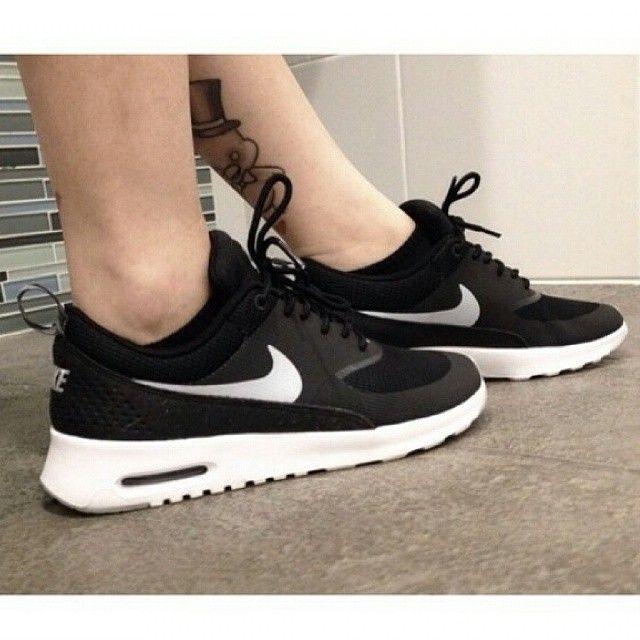 Nike Thea Zwart