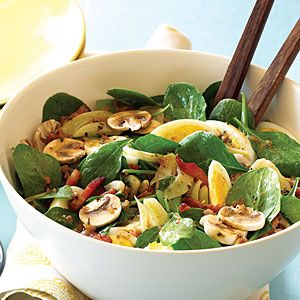 Spinach, Mushroom and Fennel Salad with Warm Bacon Vinaigrette - a bit time consuming but so worth the effort
