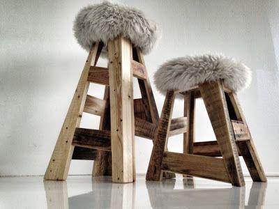 Tabouret palette : Cette conception de selles faite avec des palettes a été créé par Sascha Akkerman, un concepteur allemand qui crée souvent ses œuvres à partir de bois et autres matériaux