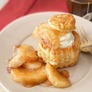 Cheescake filled apple pie shells