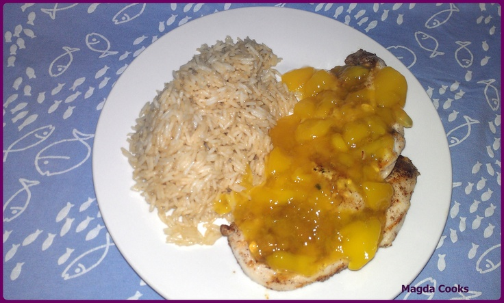 This time I found a recipe for chicken with mango that the description made me miss the tropical beach.
