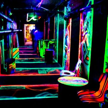 Alternative Berlin pubcrawl visits lesser known bar & clubs in Berlin. 666 Anti pubcrawl to underground bars and clubs