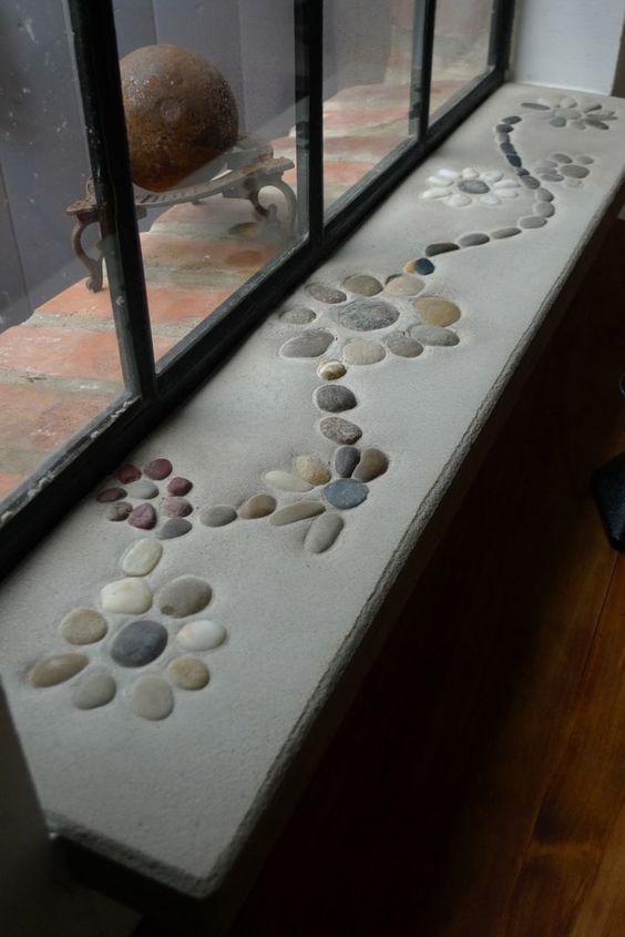 Fensterbank aus Beton - Einzelanfertigung mit Kieselsteinen