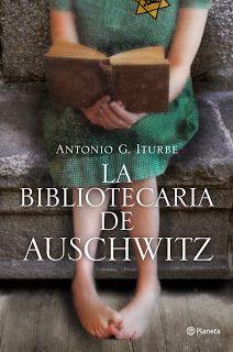 """""""La bibliotecaria de Auschwitz""""  está inspirada en la historia real de Dita Dorachova, una niña checa de 14 años internada en el campo de concentración, que se convirtió en la celosa guardiana de los libros que existían en aquel infierno nazi. Exquisitamente documentada -Iturbe se ha entrevistado en varias ocasiones con la octogenaria  protagonista–  es la historia épica de una niña que arriesgó su vida para mantener viva la magia de los libros."""