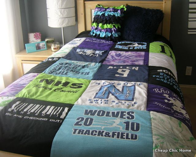 If I still had m concert t-shirts.  ♥ How to Make (and How NOT to Make) a T-Shirt Quilt.