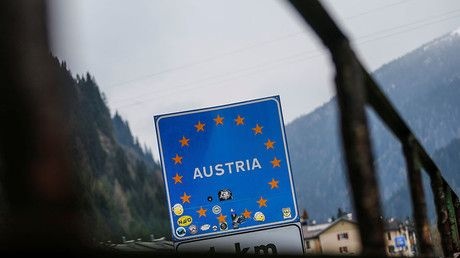 """Austria downplays Italy border issue, says 'no need' to deploy tanks & troops  https://tmbw.news/austria-downplays-italy-border-issue-says-no-need-to-deploy-tanks-troops  Published time: 5 Jul, 2017 16:45A """"misunderstanding"""" over Austria's apparent decision to send troops and military hardware to the border with Italy has been clarified after a discussion between the countries' leaders. The incident appeared to spark a spat when Rome summoned the Austrian ambassador.""""One must clear up…"""