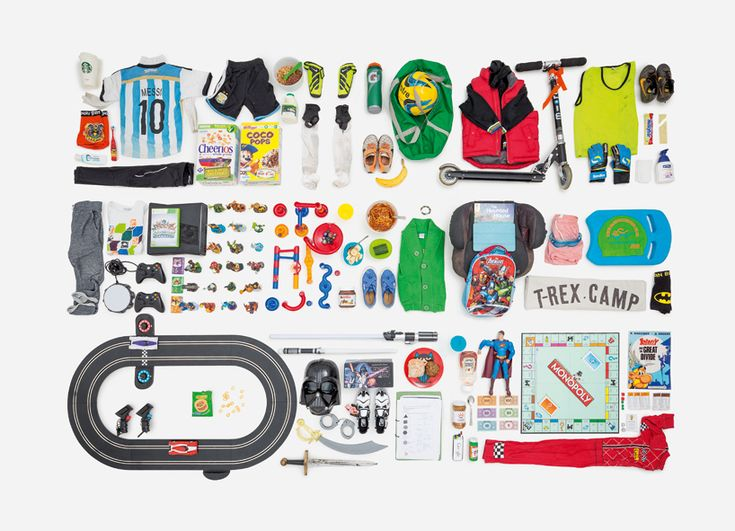 paula zuccotti travelled across the globe and asked people to gather every object they touched in 24 hours.