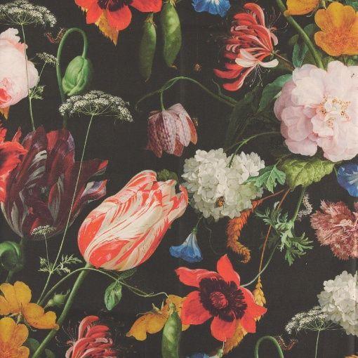 Vevet med stort blomsterprint