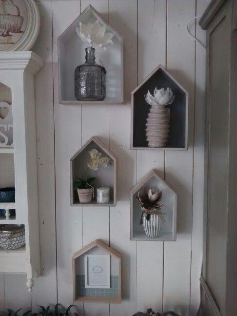 Mensole casetta+ vasi con fiore