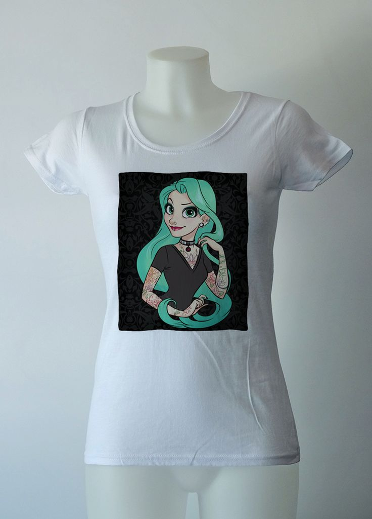 Maglietta T-shirt bianca donna con Principesse Disney tatuate. Disney Princess Tatoo