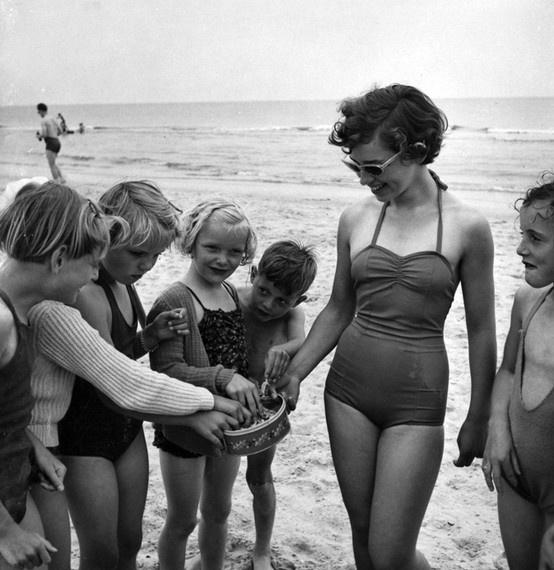 #beach #summer #historical #photograph #strand #zomer #historisch #foto #Verkade #biscuits #biscuit #koekjes #verkadekoekjes