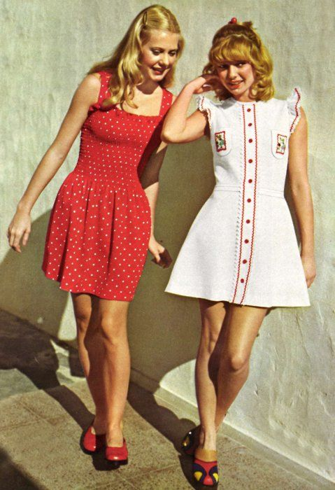 1970s summer fashions... My weakness Had a few short dresses like this. Can't believe my dad let me wear them!