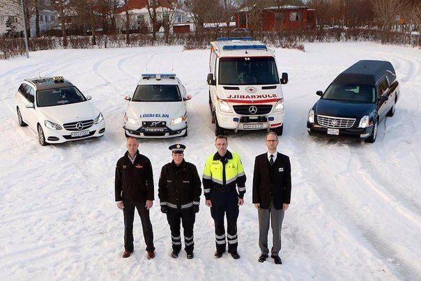 Выпил? Выбирай, кто повезет тебя домой. Такси,полиция,скорая или похоронное бюро.  Исландская социальная реклама