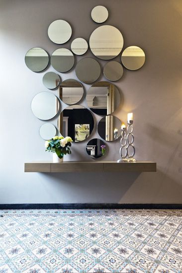 Playful and beautiful round mirrors - place them as you like and make it your design.