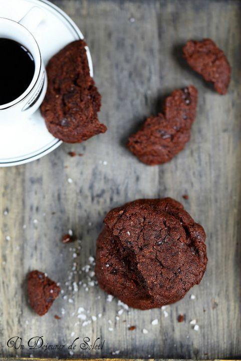 Sablés chocolat et fleur de sel (Pierre Hermé) - Very intense chocolat cookies ©Edda Onorato