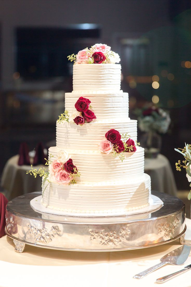 wedding cakes northern new jersey%0A Lambertville Station Inn Wedding Photos   Lambertville NJ   Classic wedding    Cake by Ciao Bella