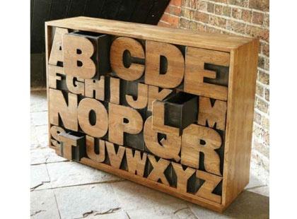 commode design la commode design lettres une commode. Black Bedroom Furniture Sets. Home Design Ideas