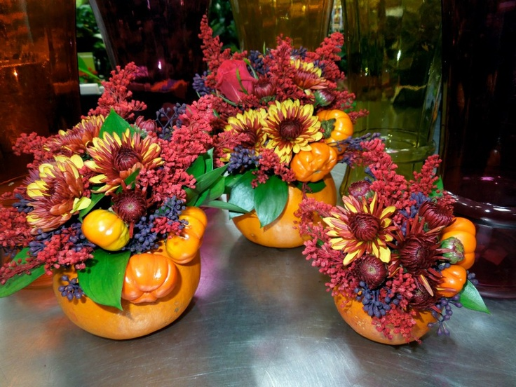 Pumpkin arrgs great for fall weddings!!