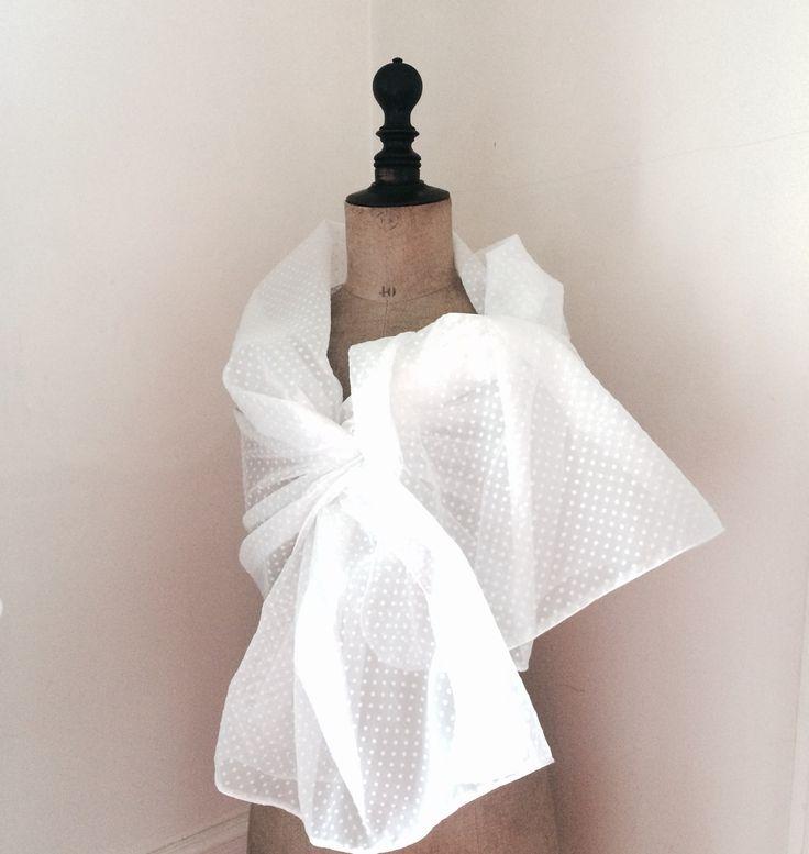 tole blanche mariage petit plumetis tissu synthtique - Etole Beige Mariage
