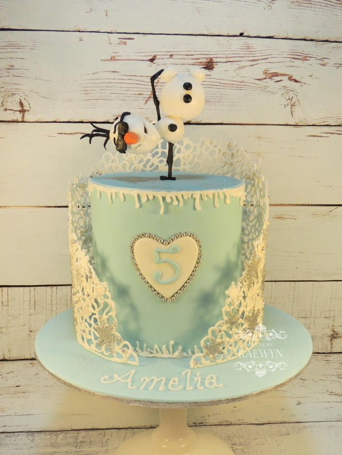 Amelia's Frozen Cake Cakes by Raewyn https://www.facebook.com/cakesbyraewyn
