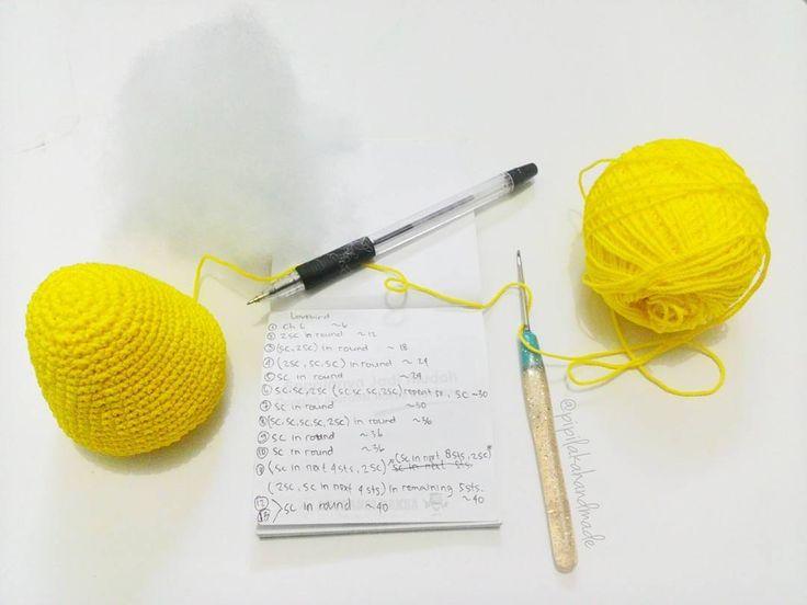 Saya termasuk perajut yg gk bisa anteng hanya dg 1 #wip . Dan yah ini proyek sya yg lain  . . . 26.4.16 #crochet #crocheting #crochetaddict #crocheter #crochetamigurumi #amigurumi #ilovecrochet #crochetersofinstagram #crochetinspiration #merajut #rajutan #rajutantangan #perajut #hobby #crochetindonesia #craftastherapy #handmade #pipilakahandmade #pipilaka #isupporthandmade #ilovehandmade #instacrochet #indonesia by pipilakahandmade